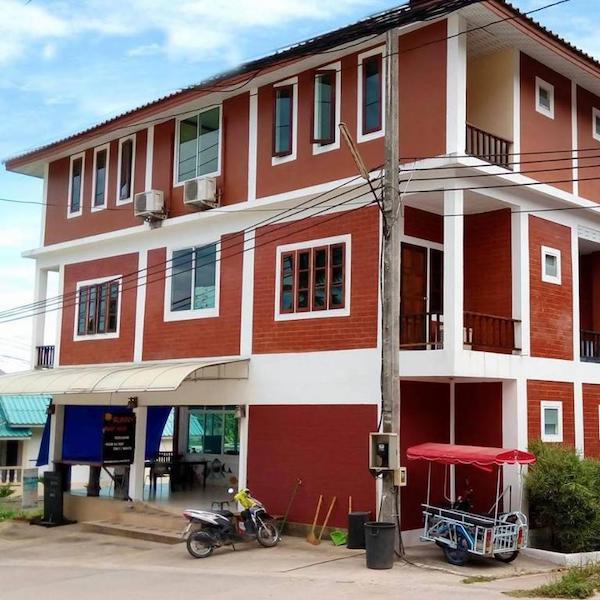 Summer Hostel Koh Tao